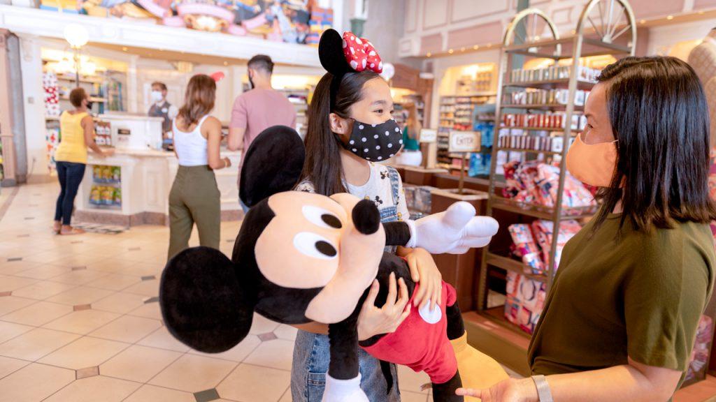 Annual Passholders at Walt Disney World Resort Enjoy Discounts, Extras In August