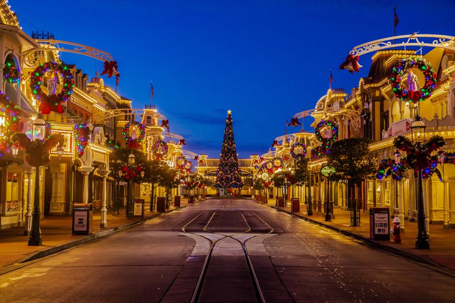Happy Holidays! Festive Fun Begins Today at Walt Disney World Resort